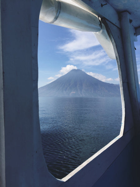 Alyssaya Hiptipico, travel blog, Guatemalan travel blog, lake atitlan photography, fashion blog guatemala, travel blogger, ethical fashion blogger