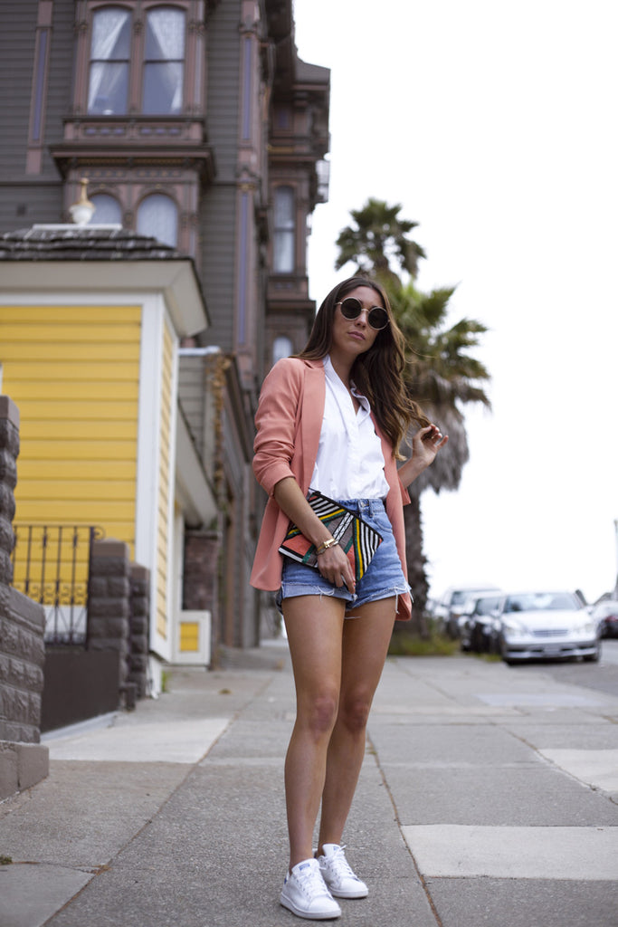 Style blogger @uniquelyyani styles Hiptipico on the streets of San Francisco for a style that transitions from day to night, how to style clutches, beaded clutches style guide, style tips for clutches, ethically conscious fashion brands