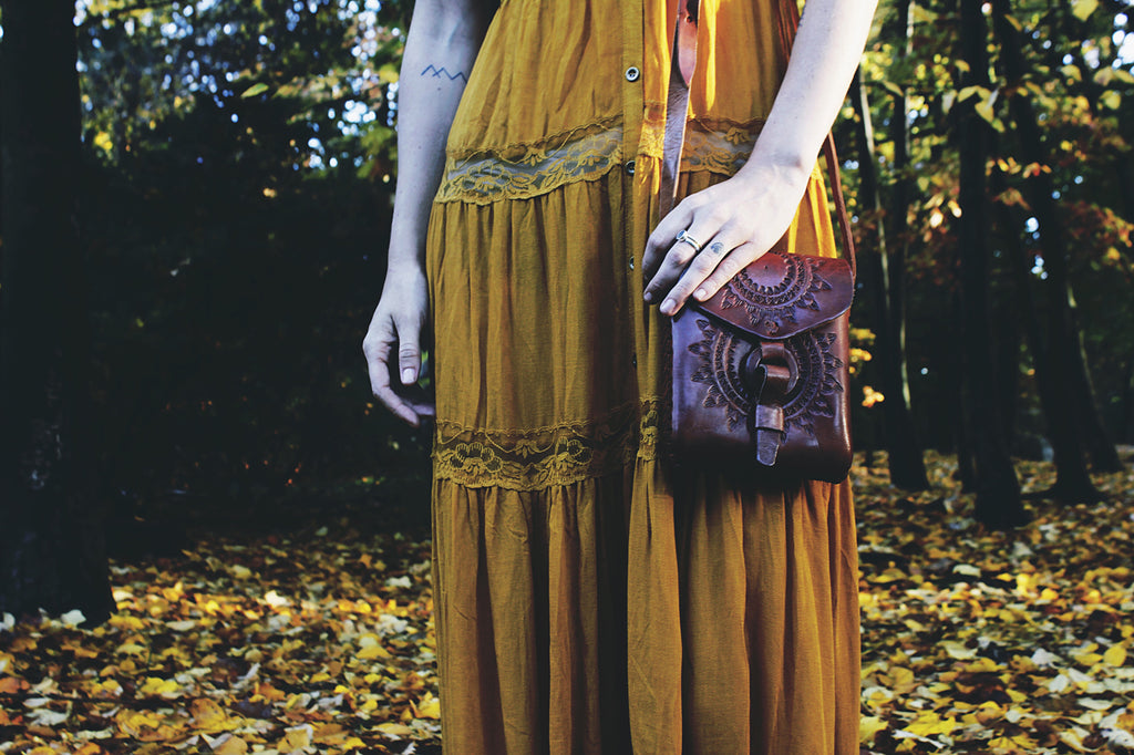 Hiptipico Tooled Leather Bag, Folk Photoshoot, Fall Photoshoot, Free People Look Book, Hiptipico Look Book, Ethical Fashion, Alyssaya, Embossed Leather, Festival Bag