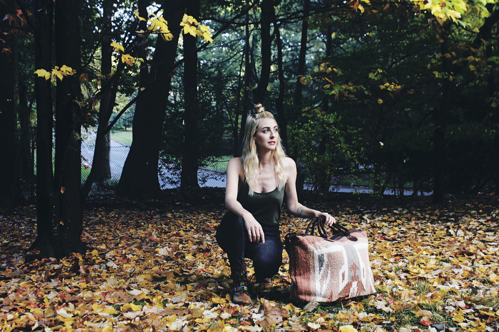 Hiptipico Weekender Bag, Folk Photoshoot, Fall Photoshoot, Free People Look Book, Hiptipico Look Book, Ethical Fashion, Alyssaya