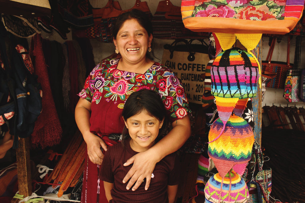 Hiptipico ethical travel blog, guatemalan culture blog, maya culture, women in guatemala, female artisans guatemala, motherhood in guatemala, women and children in central america, maya artisans