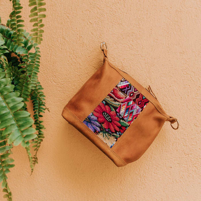 Hiptipico Leather Cross Body Huipil Purse, Hiptipico Bags, Hiptipico Leather Bags, Hiptipico Crossbody Bags, Textile Bags, Leather Crossbody Bags, Handmade Handbags, Free People Leather Bags