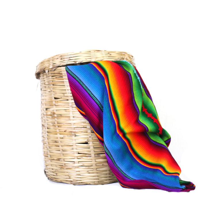 Whether blankets, coffee, table runners, or figurines, Hiptipico's home decor selections make the perfect gift!