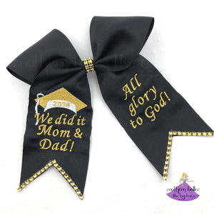 Custom graduation bow with personalized message