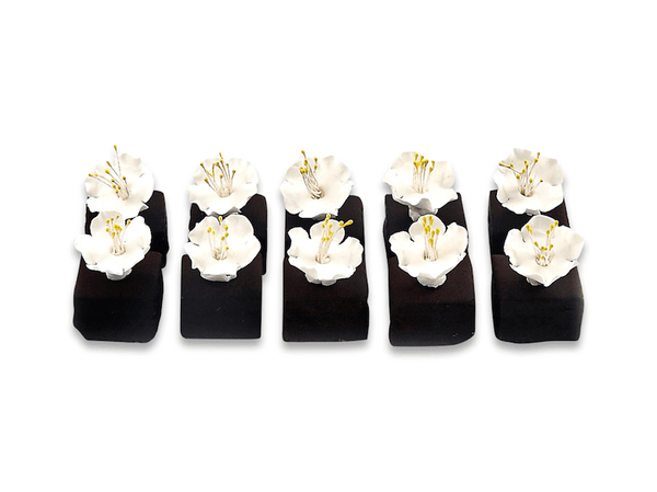 Chocolate Petit Four With Flowers - World of Chantilly