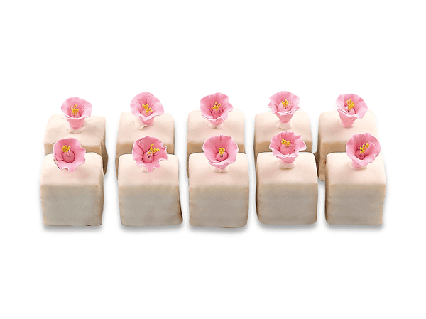 White Chocolate Petit Fours With Flowers