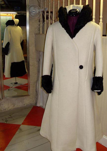 1929 Fur-Trimmed Coat with Large Collar C20-6611