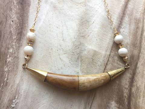 Horn and chain