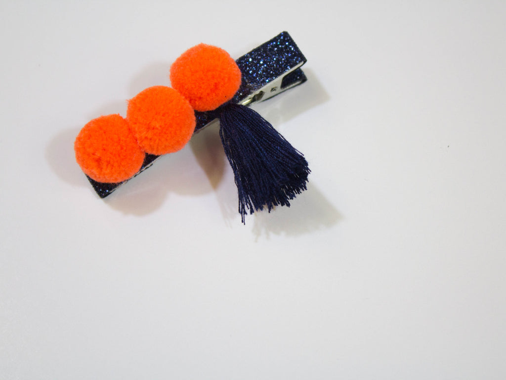 pompom tassel duck clip- orange