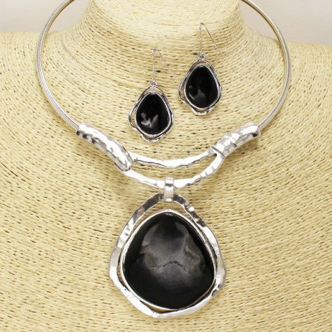 Black Beauty Necklace Set - Treasures By Blondie Boutique