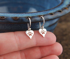 1 pair Heart Shaped Paw Print Charm Earrings Silver Heart Cat Paw Dog Pets Women Fashion Earring Studs Christmas Gift Stud