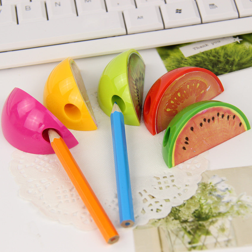 1pcs New Fruit Pencil Sharpener Colorful Cute Gift Stationery For Children Mini Pencil Sharpener