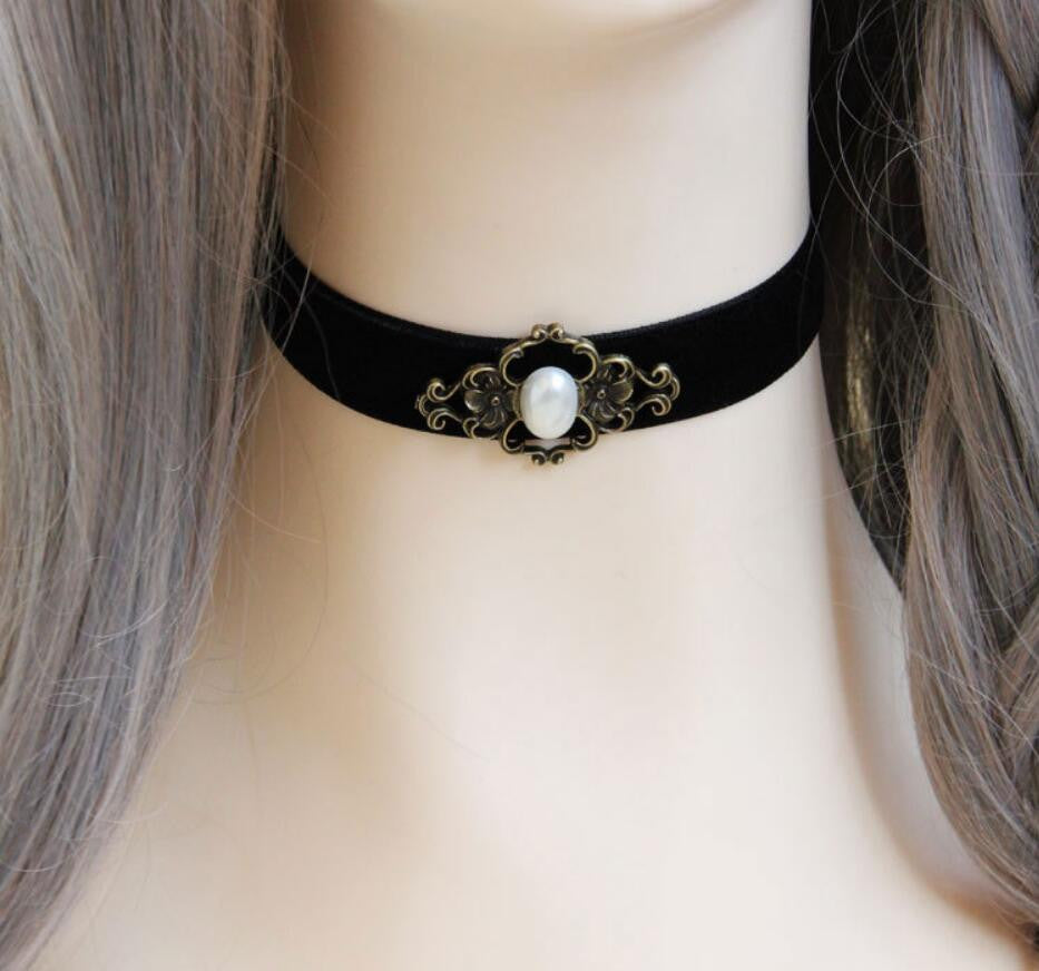 2016 Trendy Hot High Quality Vintage Gold Plated Flower Pendant Imitation Pearl Leather Choker Necklace For Women
