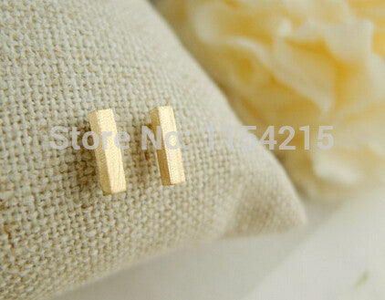 2016 New Fashion 3 colors classicalslim bar Stud Earrings for women Dainty stud earrings simple bar shape earring EY-E031