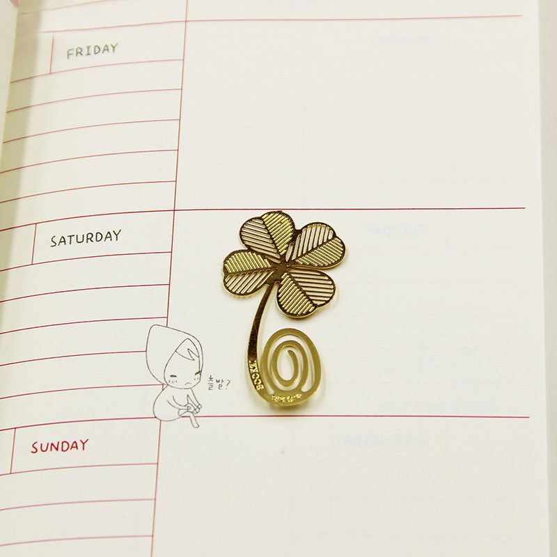 Office Reading Mark Book Mark Unique Creative Metal Hollow Four-leaf Clover Bookmark School Supplies 1pcs