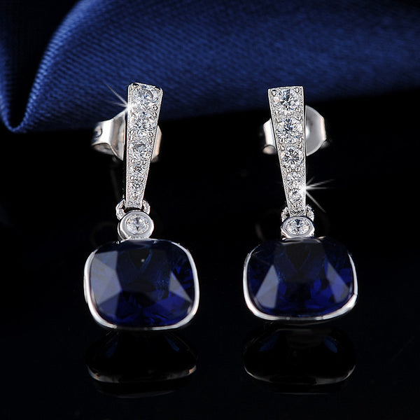 Orsa Jewels Classic Platinum Plated Cubic Zirconia Stud Earrings Women Oe106