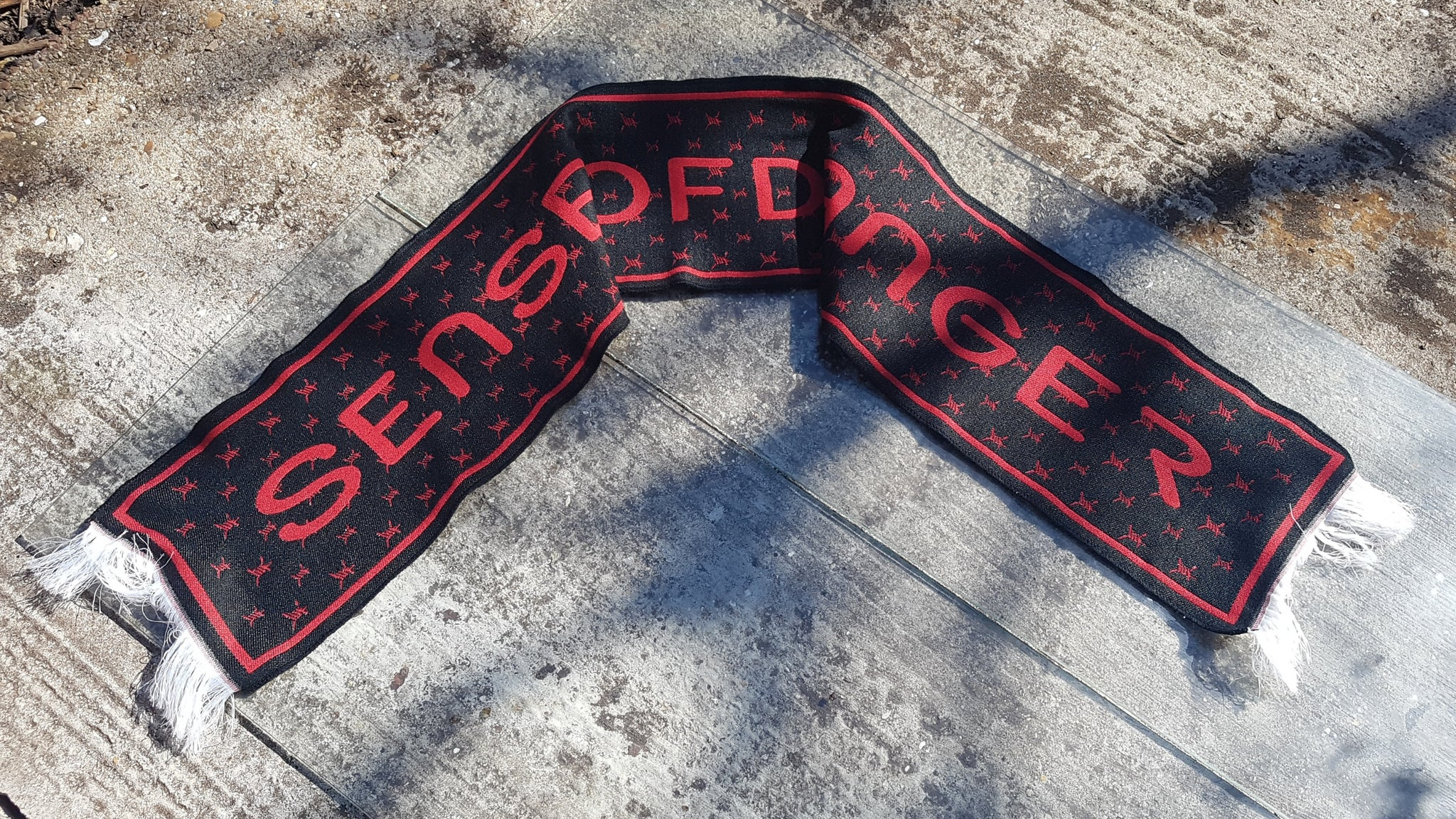 Sense of Danger jacquard knitted scarfs