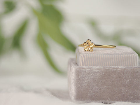 Yellow gold flower stacking ring
