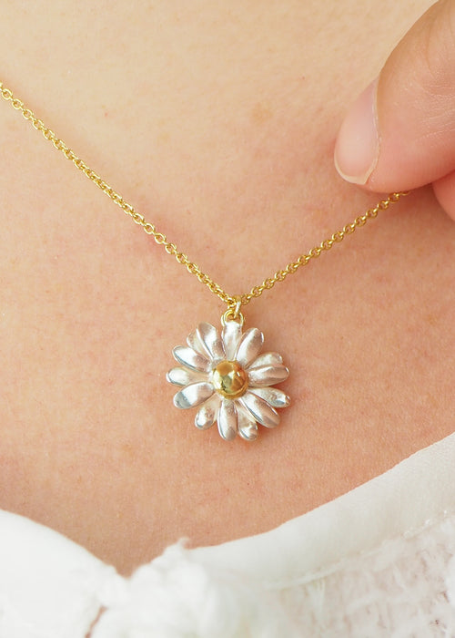 two tone gold and silver daisy necklace