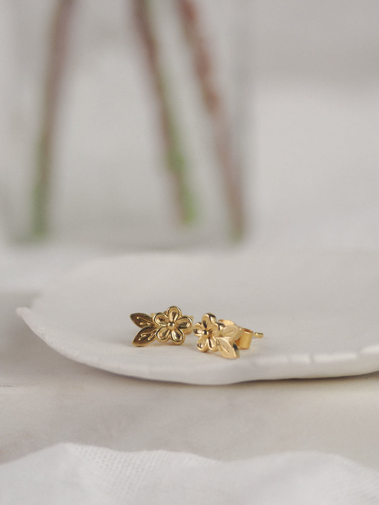 Gold vermeil small flower and leaf stud earrings