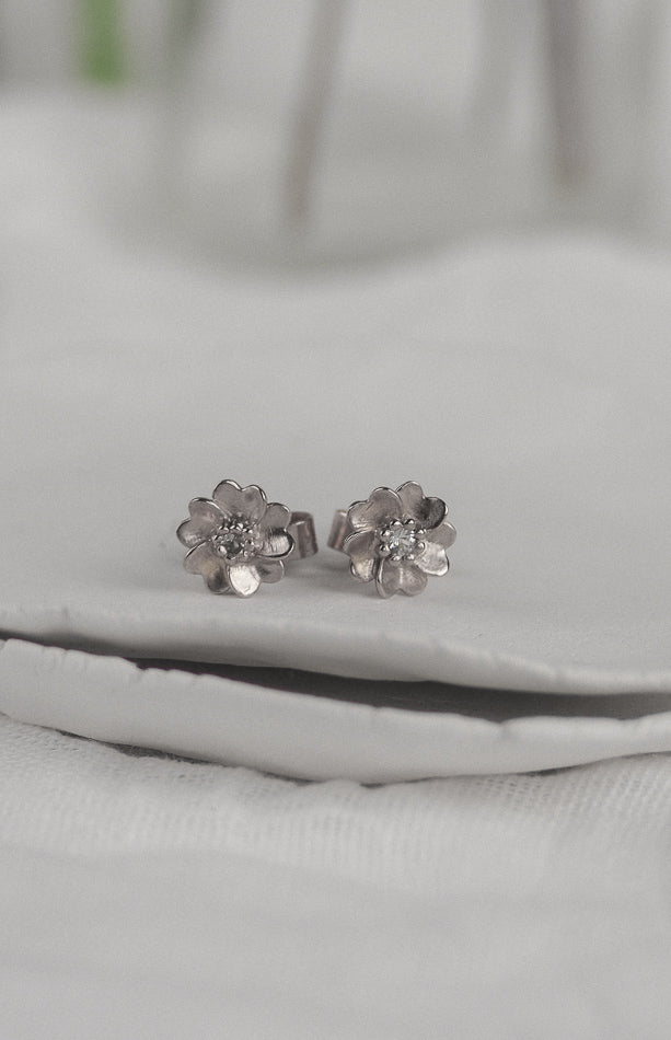 Silver Wild Rose Stud Earrings White Sapphire