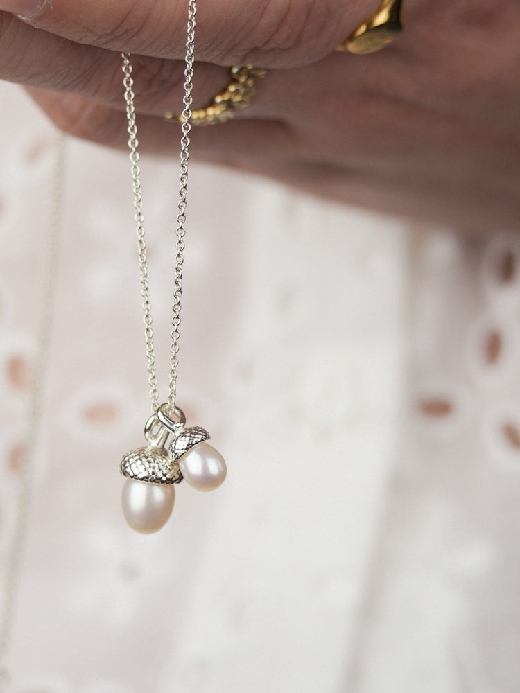 sterling silver double pearl acorn pendant necklace