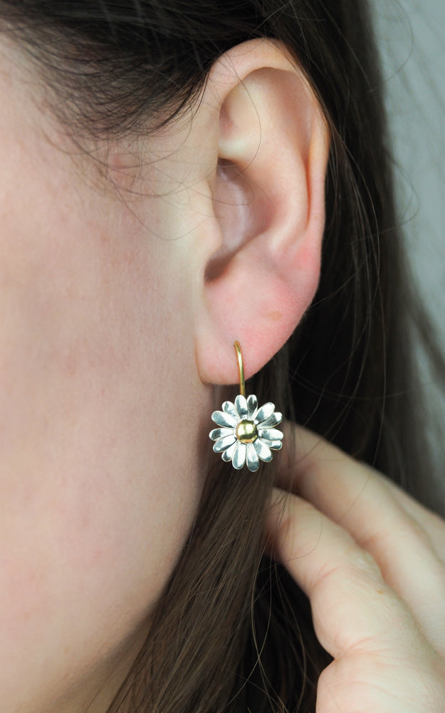 Maxi Daisy Two Tone Earrings