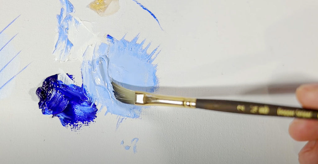 the dagger striper brush can handle large loads of paint
