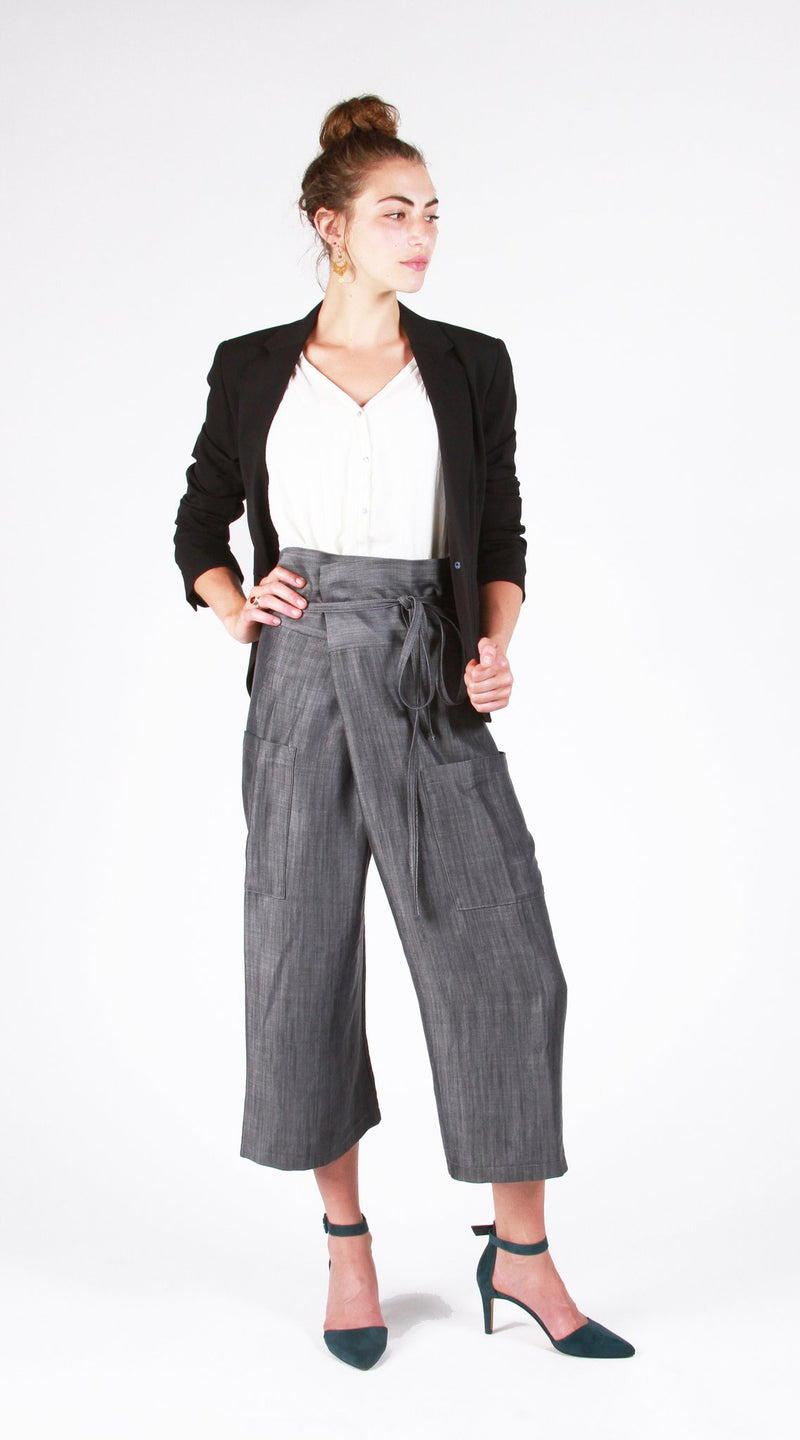 products/studio_cropped_pant_front_1_lighter_ground_1024x1024_2x_67034665-1e34-42af-941f-66e7a8be08bf.jpg
