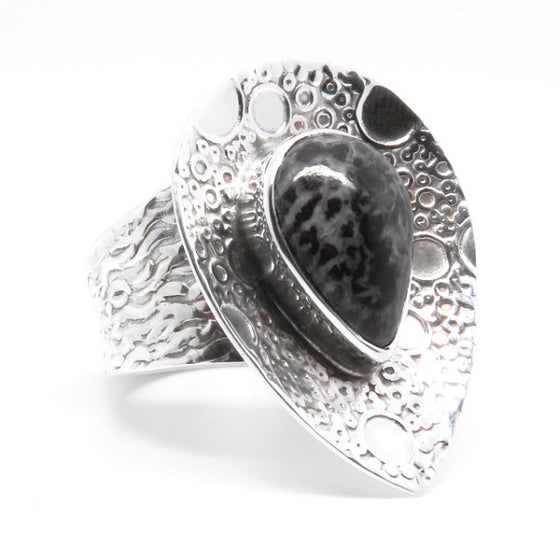 Hidden Cove Ring (Sterling Silver)  - VELVET HEAD