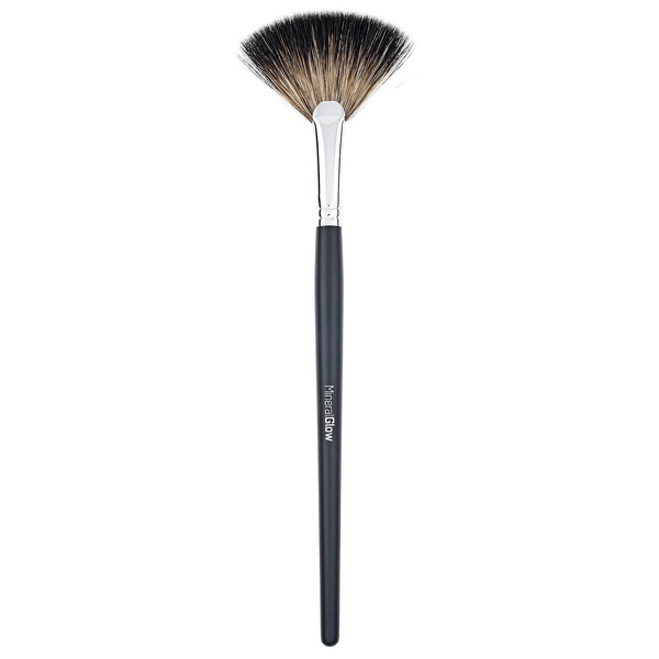 MINERAL GLOW Small Contour Brush