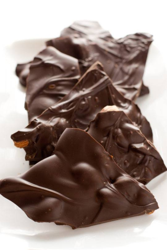 FRUITY CHOCOLATE ALMOND BARK