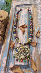 NECKLACE BRONZE BEADED COLORED BONE AND RASIN