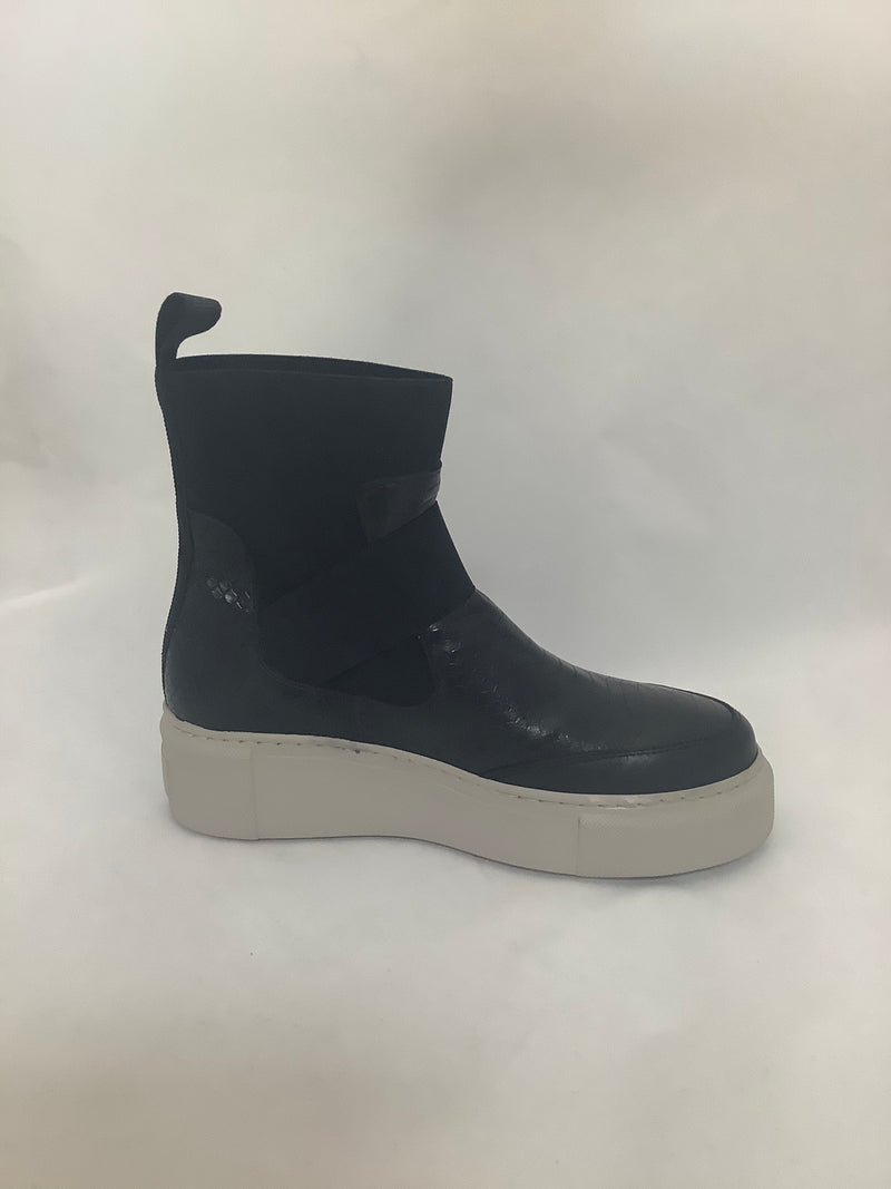 Laura Bellariva Pitone Black Croc pull on Sneaker Boot
