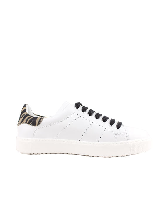 Finery Tommy White Tiger Sneaker