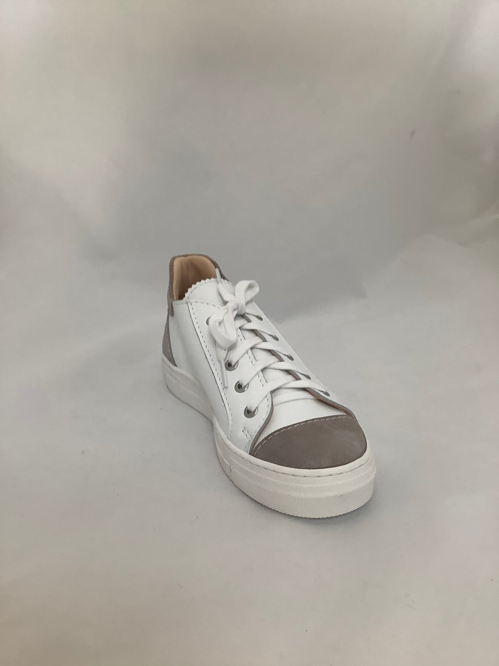 Lecologica Bianco Taupe Lace up Sneaker