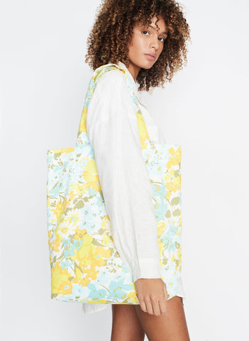 Annina Floral Print - Travel Tote Bag
