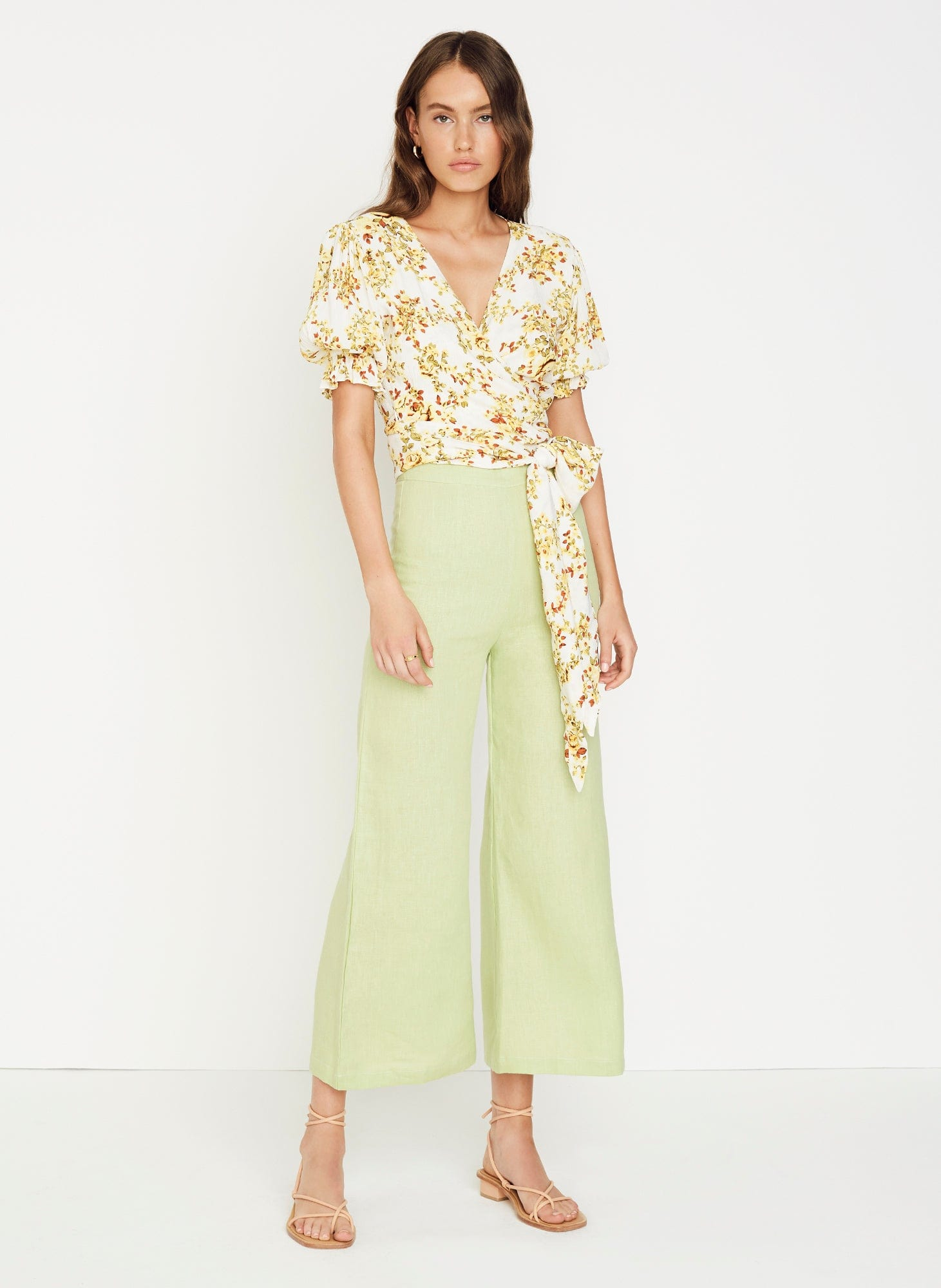GOLDIE FLORAL - OFF WHITE - MALI WRAP TOP