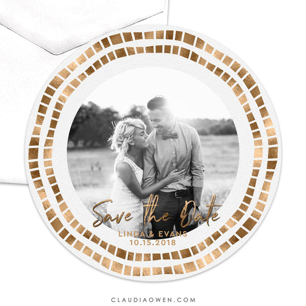 Wedding Photo Save the Date Circle Die Cut Card, Gold Elegant Romantic Design Getting Married Save Our Date, Getting Hitched