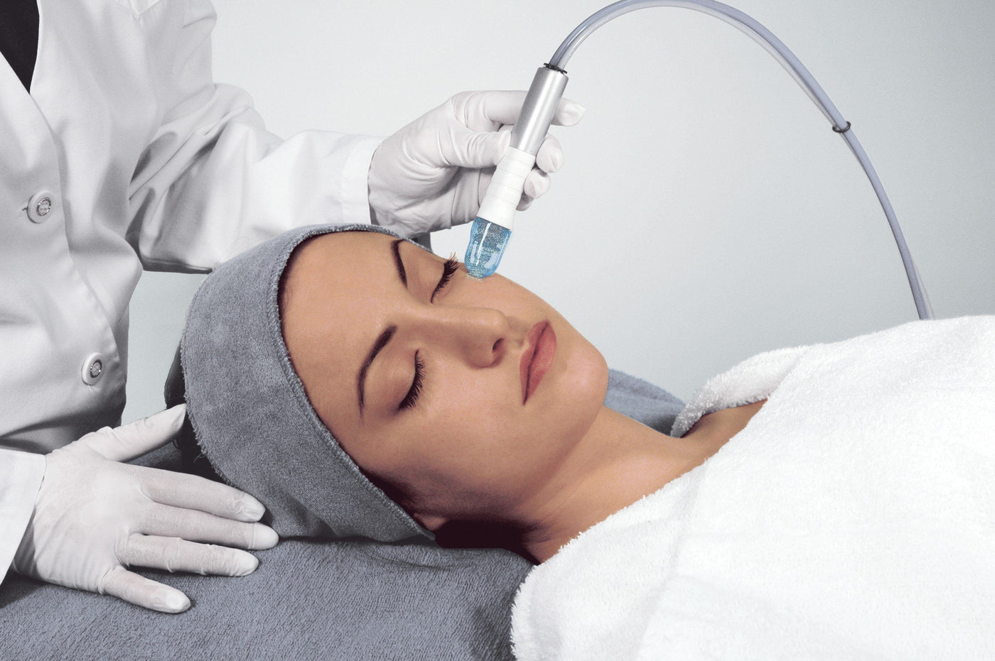 collections/Microdermabrasion_249f2829-771f-4ab3-9a31-f7ff4bc5aa79.jpg