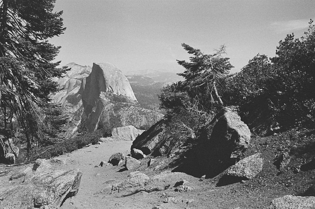 Hiking to Glacier Point in Yosemite. Shot on 35mm film HP5 and Leica M6