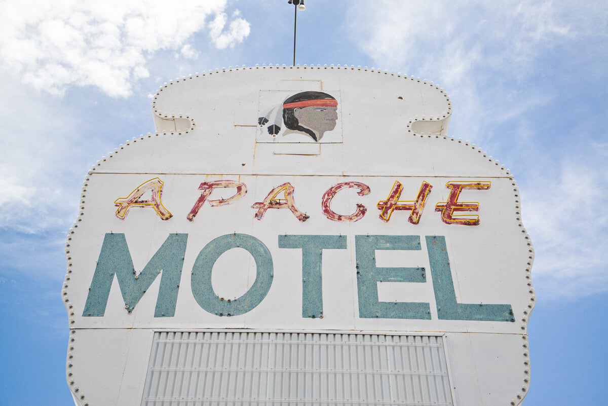Route 66 Attractions: Apache Motel