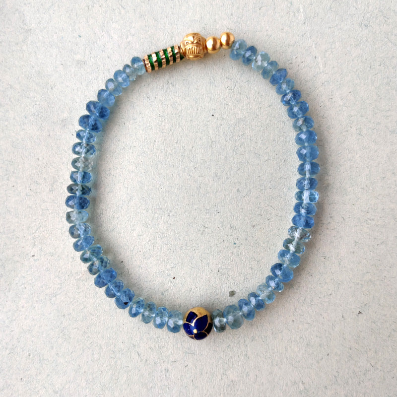 Aquamarine & Bloom Bead Bracelet