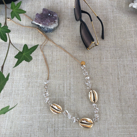 Quartz and gold cowry shells necklace