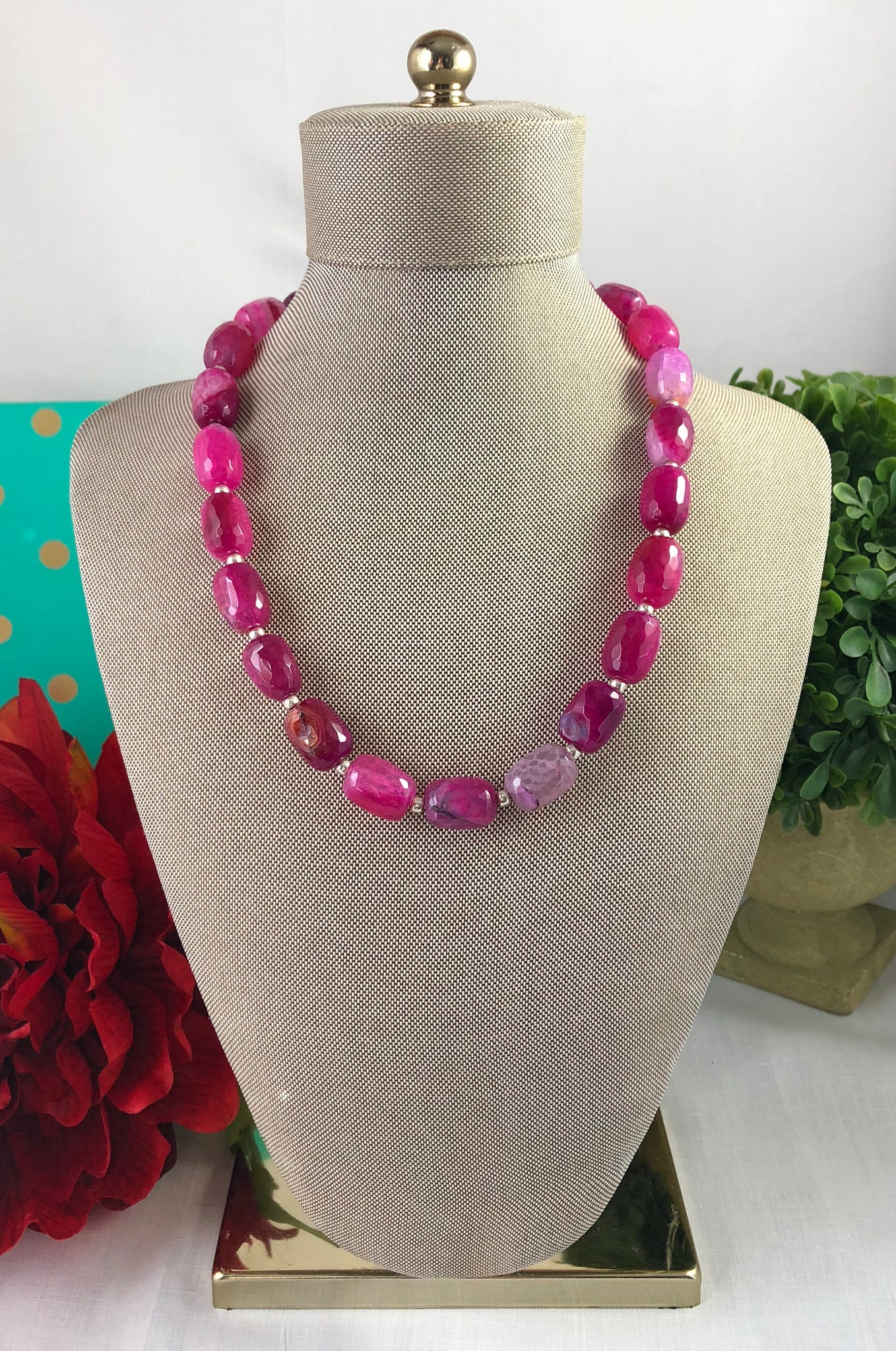 Hot Pink Faceted Barrel Shape Agates Short Necklace