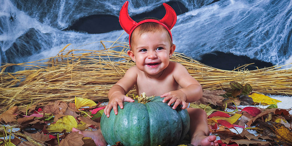 8 Simple Tips for Capturing Perfect Pictures of Baby's First Halloween