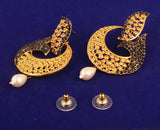 Curved Fish Motif Faux Black Onyx Earrings Pearl in Antique Gold Tone -DGET-524-04B--G