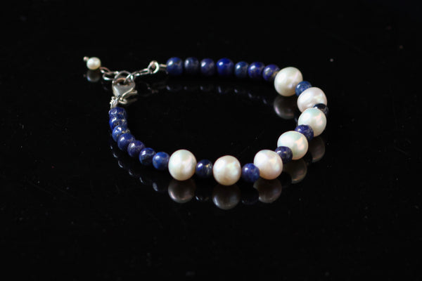 White Freshwater Pearls with Lapis Lazuli and 92.5 Sterling Silver Fallaknumaa