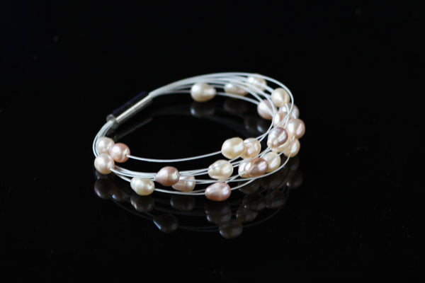 White and Pink Freshwater Pearls Bracelet Fallaknumaa