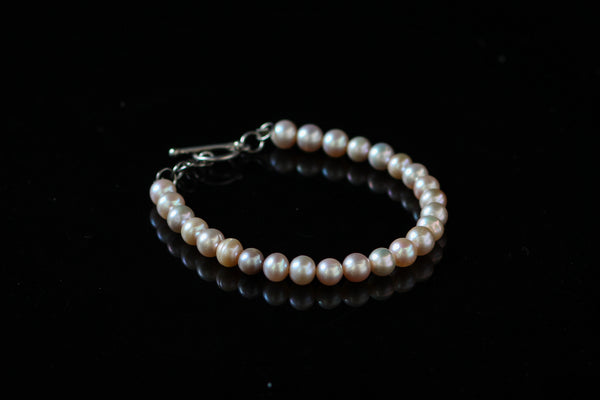 Pink Pearls with 92.5 Sterling Silver Fallaknumaa